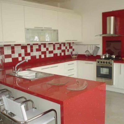 Cozinha em Quartzo Vermelho