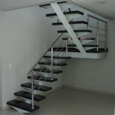 Revestimento de Escada Preta