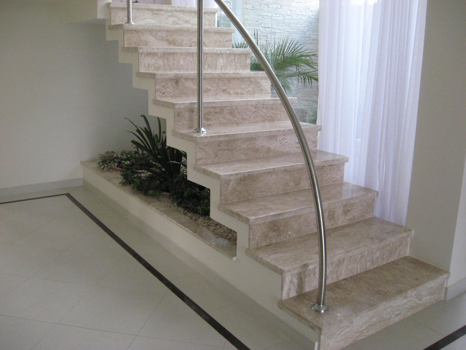 * Escadas
